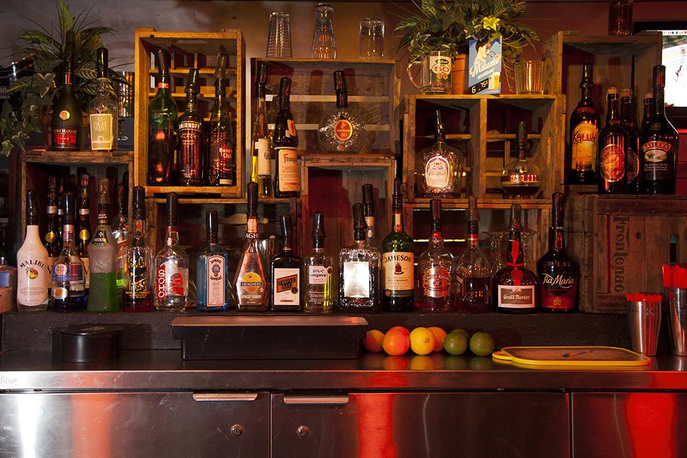 01 - Bar